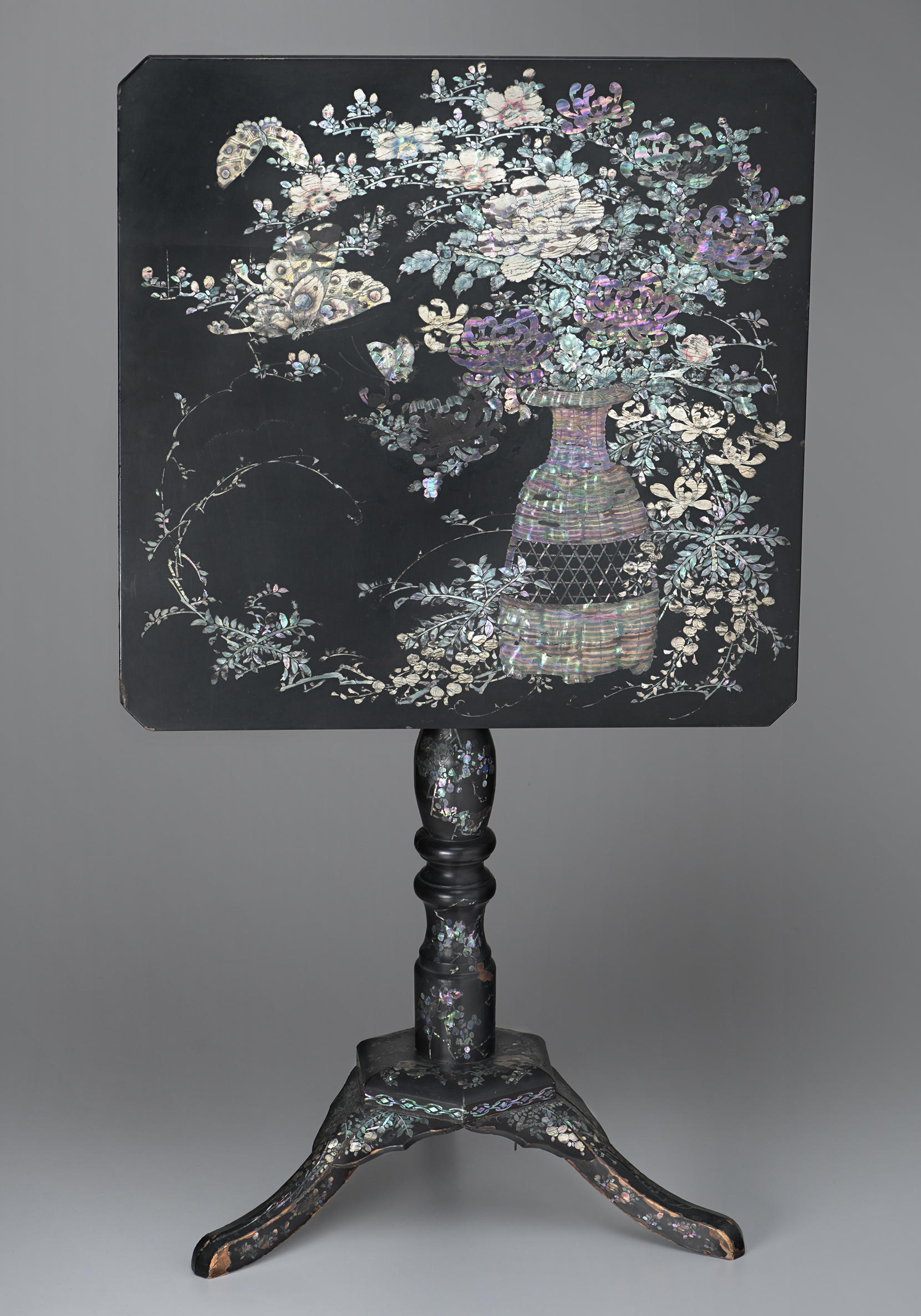 Japanese, Tip-Top Table, mid-19th century. Lacquer inlaid with mother-of-pearl