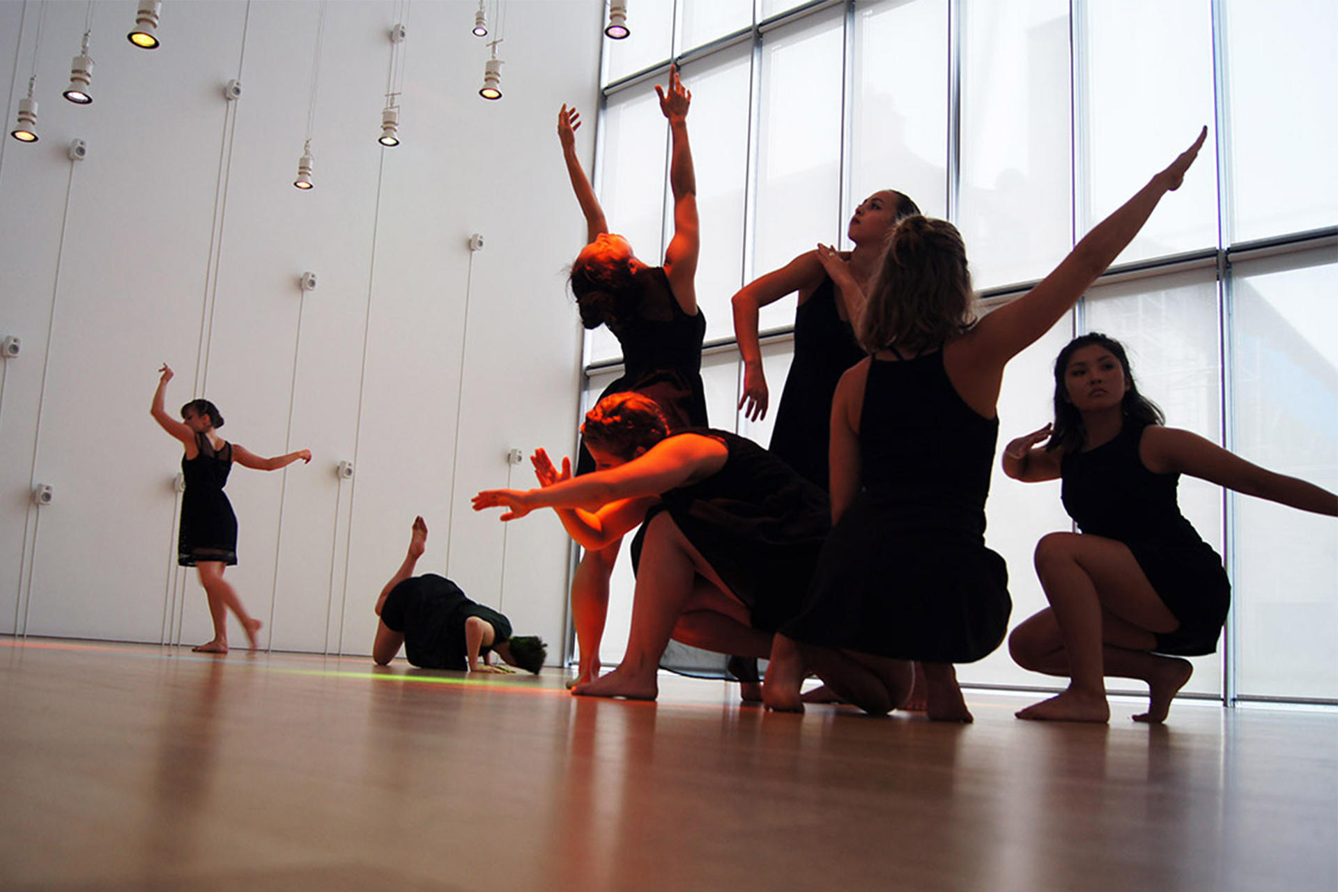 KAIROS Dance Theater performing in Hostetter Gallery. Photo by Golden Lion Photography.
