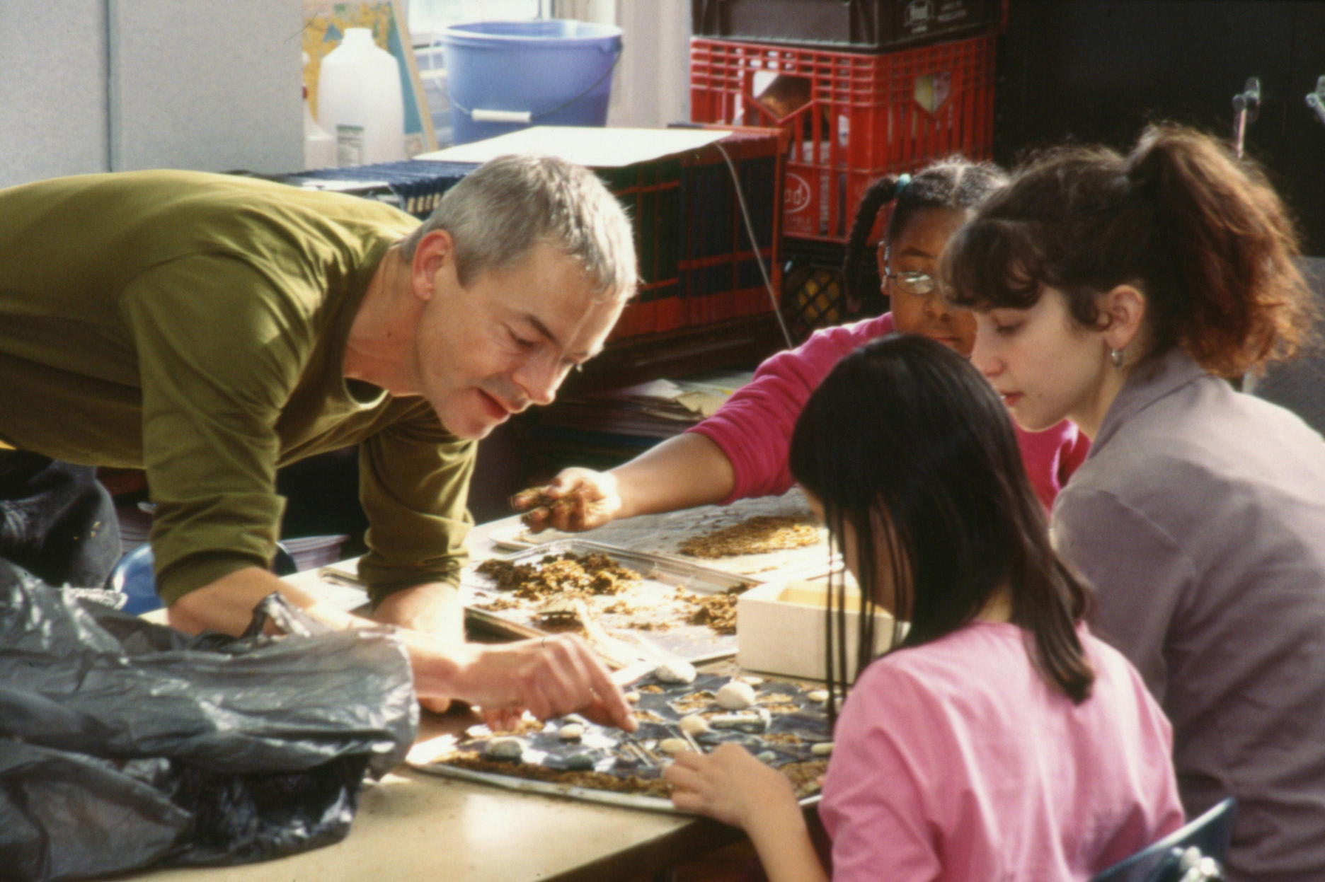 Dan Harvey, working with students.