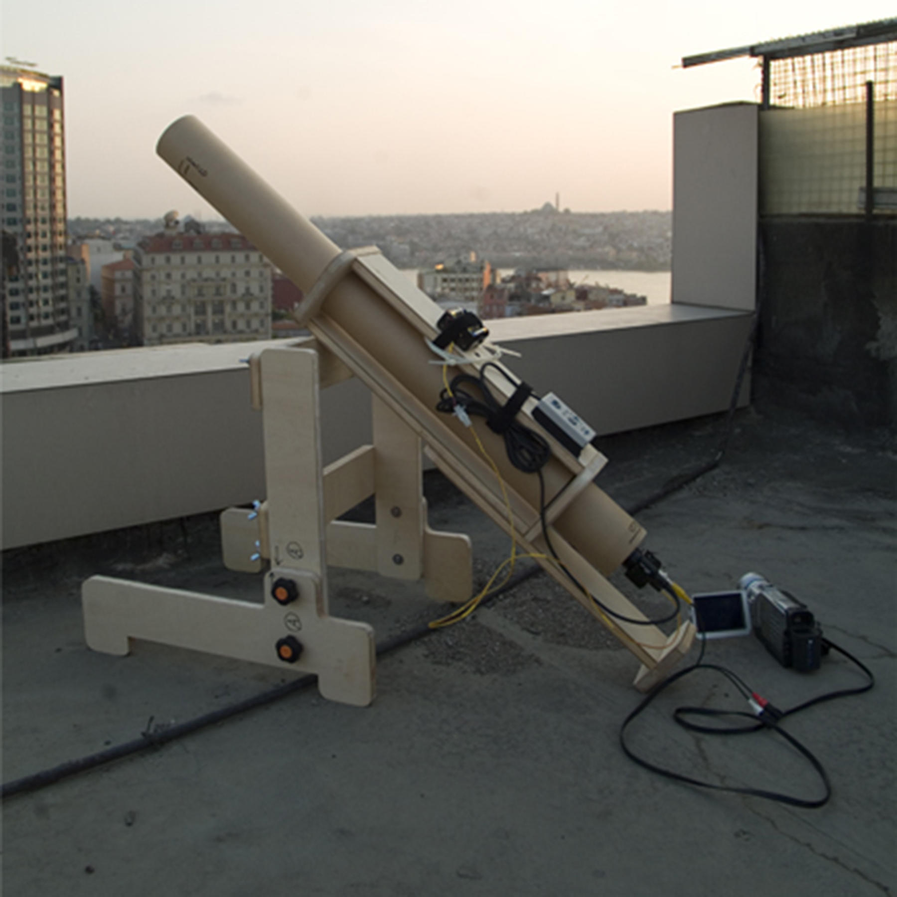 Taro Shinoda's telescope in Istanbul, Turkey, 2007.
